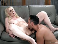 Spoiled mature whore Nanney gets rid of her bikini and gets cunnilingus