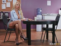 Silicone diva Nicolette Shea likes dirty sex with handsome friend