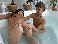 Angelina Crow & Cindy Hope - Bathing Rumps - dark hair girl