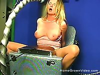 Amateur solo blonde babe has an intense orgasm riding a machine