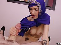 Arab chick in hijab loves the dick on cam